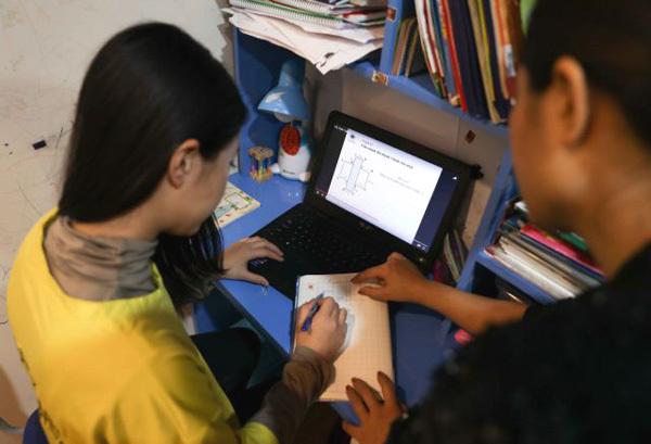 Amid the coronavirus outbreak,school closure,students online,prevent coronavirus infections