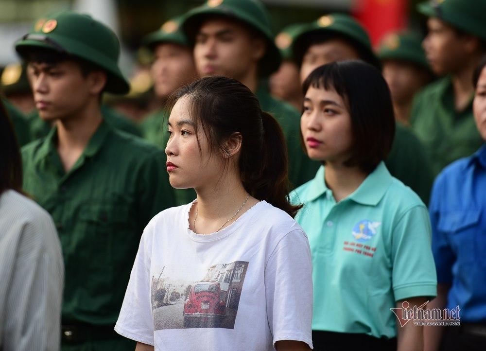 Cô gái nghỉ việc ngân hàng, thực hiện ước mơ thành chiến sĩ