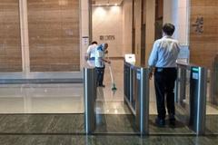 300 nhân viên ngân hàng Singapore sơ tán vì một đồng nghiệp nhiễm corona