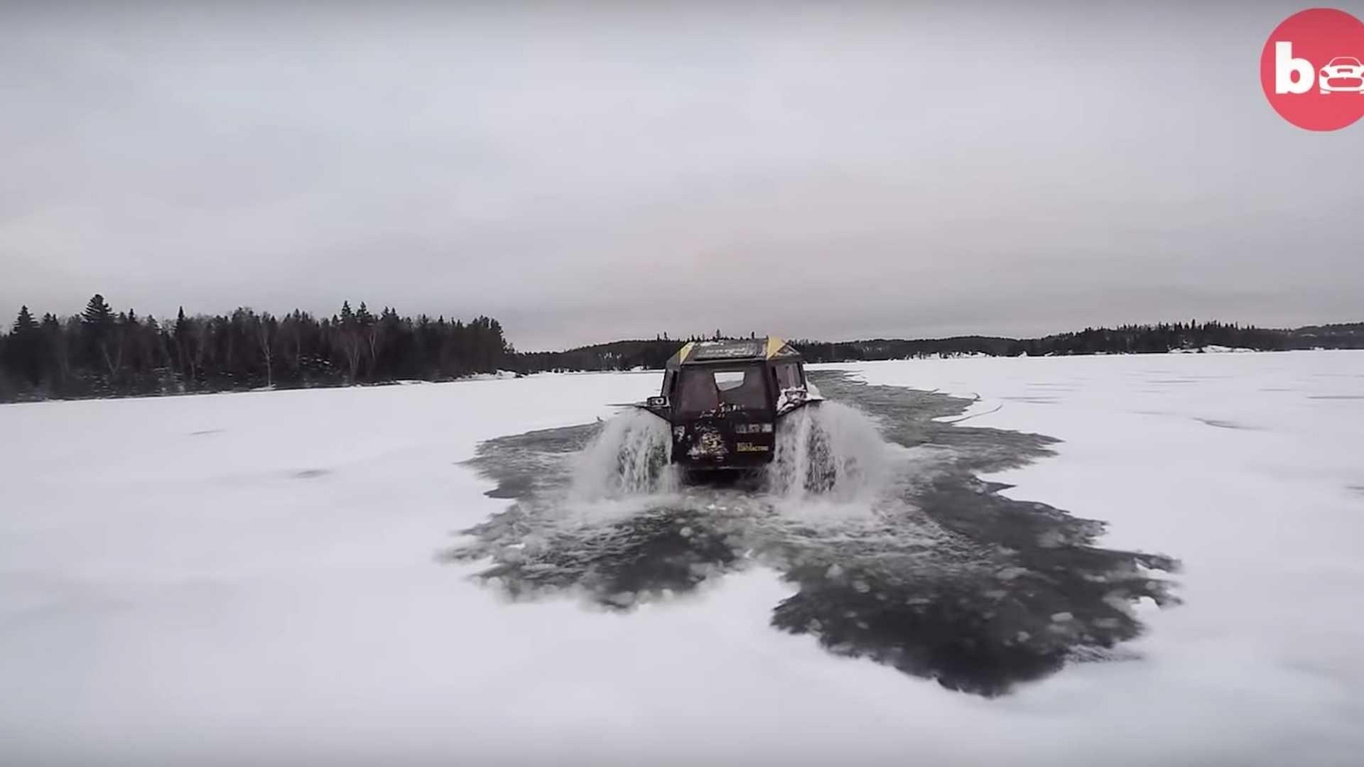 Ấn tượng ô tô Sherp ATV bất chấp mọi điạ hình, có thể nổi trên nước