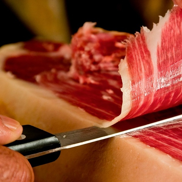 Đùi lợn đắt nhất thế giới: Hơn 100 triệu đồng/chiếc