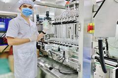 Laco cung ứng 2 vạn chai gel rửa tay bình ổn giá mỗi ngày
