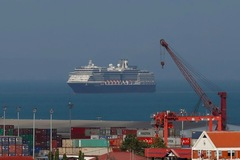 Tàu du lịch bị nhiều nơi từ chối vì sợ Covid-19 đã cập bến
