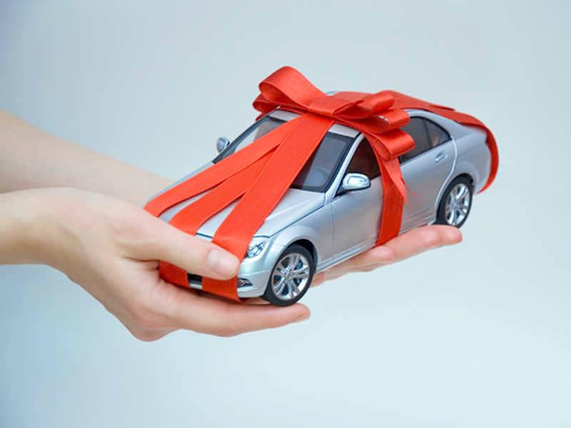 mua xe tặng bạn gái,mua ô tô tặng người yêu,mua ô tô dịp valentine