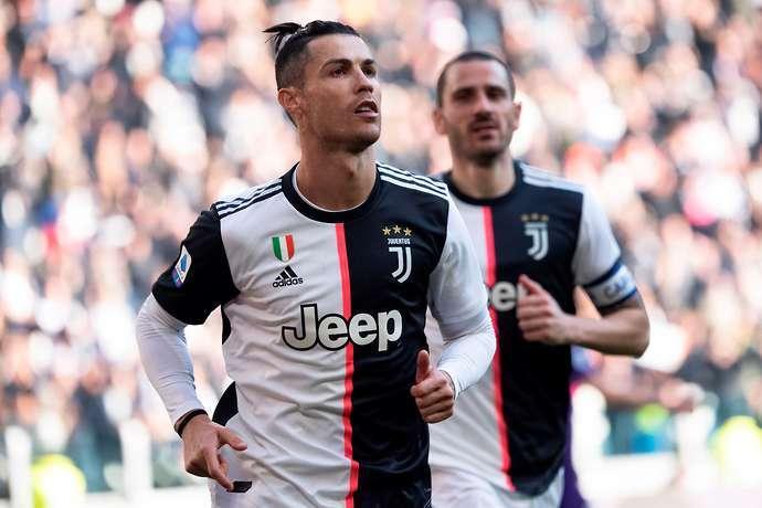 Ronaldo một mình 'khuynh đảo' Juventus, choáng với số tiền