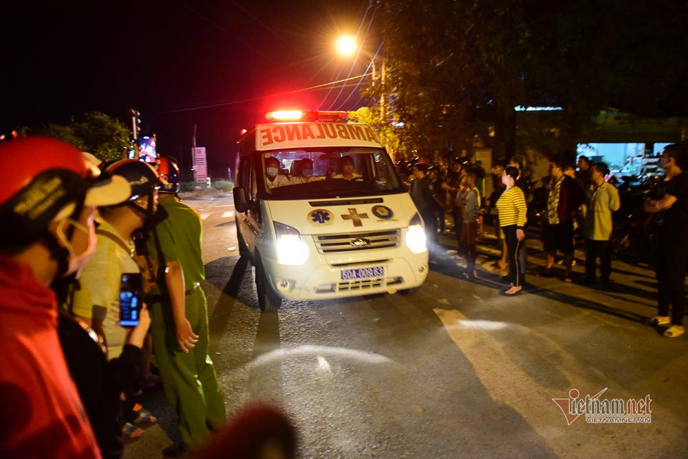 Người dân vây kín hiện trường nơi Tuấn 'khỉ' chống trả, bị tiêu diệt