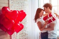 Lý do các cặp đôi Indonesia bị cấm mừng lễ tình nhân