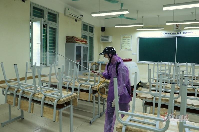 Xem xét cho học sinh toàn quốc nghỉ học hết tháng 2
