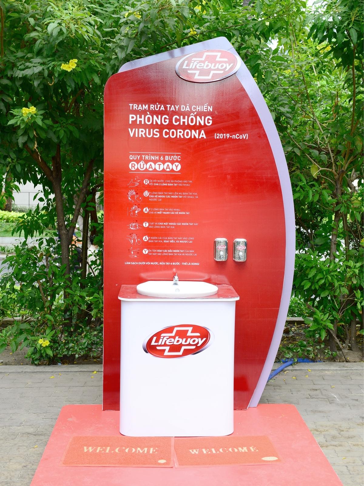 Lifebuoy lắp trạm rửa tay miễn phí ở hàng loạt điểm công cộng