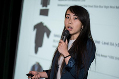 Cô gái người gốc Việt nổi danh vì bán áo chống đạn giá rẻ