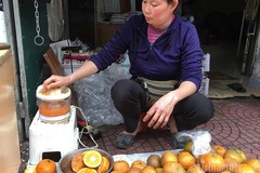 Ngày vắt 5 tạ cam, dân vỉa hè kiếm tiền triệu mùa dịch Covid-19