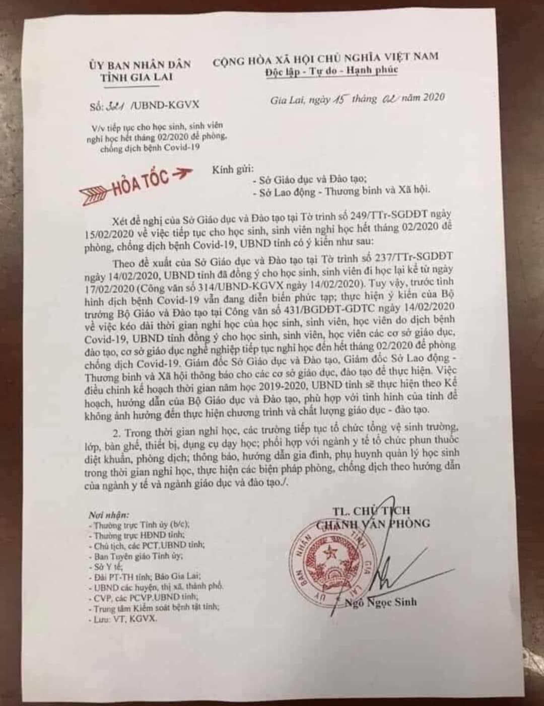 Sở GD-ĐT tỉnhBến Trecũng có công văn khẩn thông báo cho học sinh, sinh viên toàn tỉnh được nghỉ học đến hết tháng 2.