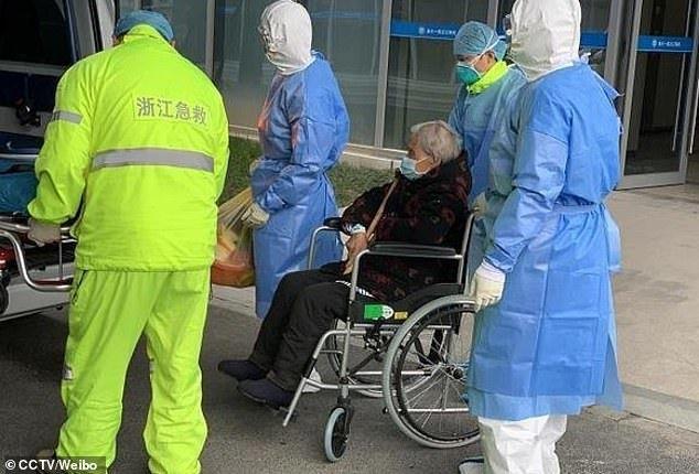 Người nhiễm COVID-19 cao tuổi nhất đã hồi phục