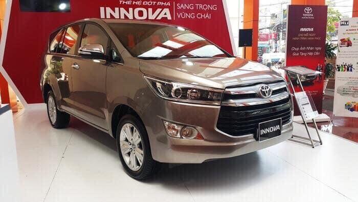 Phân khúc MPV tháng 1: Toyota Innova 'tụt dốc không phanh'