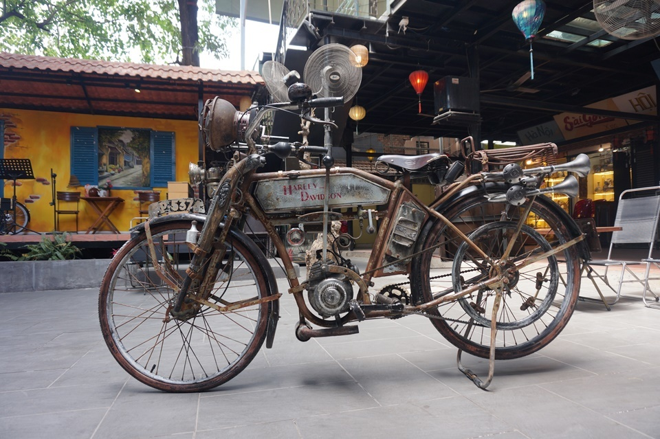 Dân chơi Sài Gòn phục chế Harley-Davidson 1927 độc nhất Việt Nam