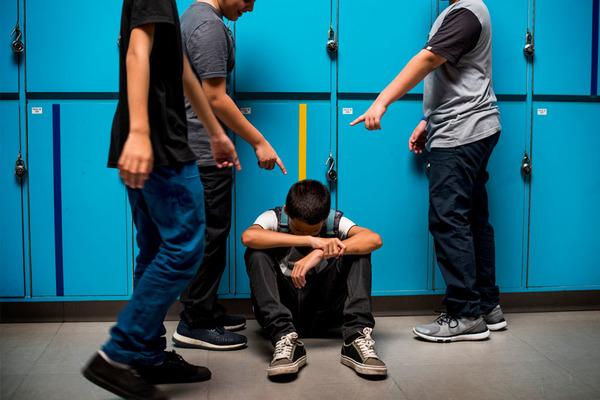 """Học sinh gốc Á ở California bị đánh nhập viện vì bạn bè kỳ thị """"có virus corona"""""""