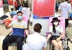 Hoa hậu Tiểu Vy cùng dàn Sao Việt hiến máu giữa mùa dịch Covit-19