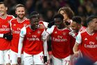 Hàng công bùng nổ, Arsenal đè bẹp Newcastle