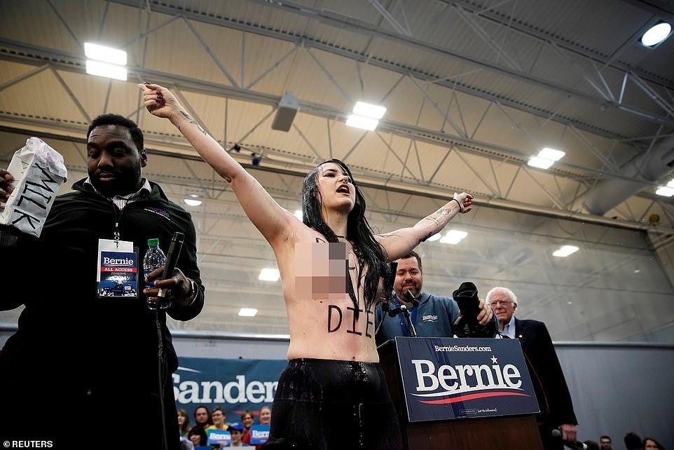 khoả thân,biểu tình khoả thân,tranh cử Tổng thống Mỹ,vận động tranh cử,quyền động vật,Mỹ,Bernie Sanders