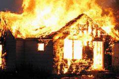 Nam kế toán chết trong căn phòng bị cháy ở trụ sở ủy ban