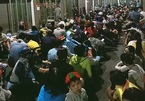 Coronavirus: Thousands queue for face masks in HCM City