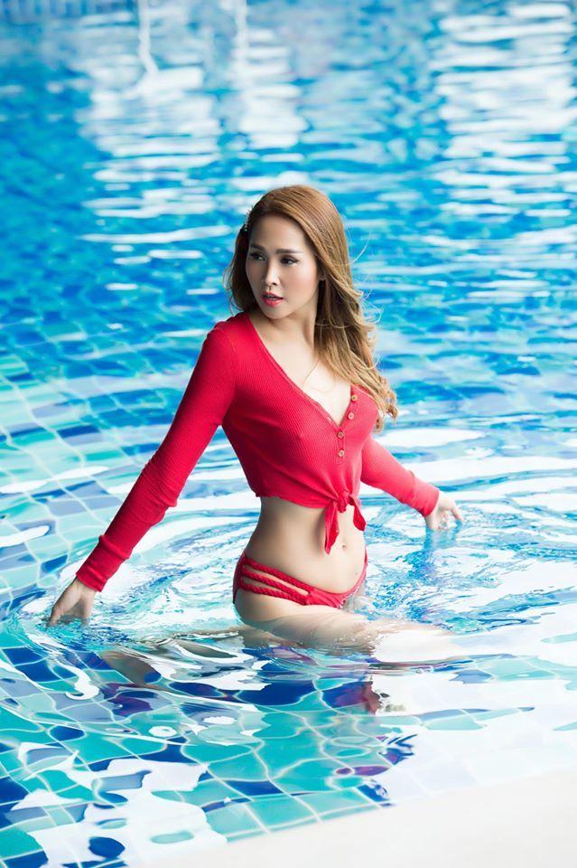 Minh Thư 'Gái nhảy' khoe dáng nóng bỏng, không mỡ thừa ở tuổi 43