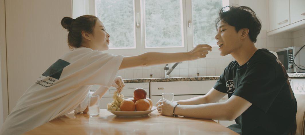 Trịnh Thăng Bình và Liz Kim Cương ngọt ngào bên nhau sau chia tay