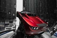 Xe điện Tesla phóng lên vũ trụ đã bay hơn 1,6 tỷ km