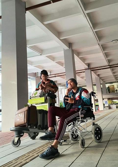 Mẹ người mẫu Anh Vũ: 'Thanh Hằng tặng tiền để con tôi chữa ung thư'