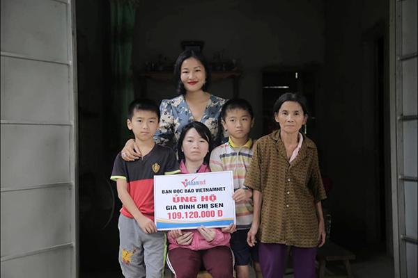 Chị Nguyễn Thị Sen cùng 2 con được bạn đọc ủng hộ gần 400 triệu đồng