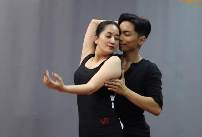 Khánh Thi - Phan Hiển gây sốt khi nhảy trên nền nhạc phim 'Hạ cánh nơi anh'