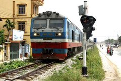 Gov't considers giving Vietnam Railways back to transport ministry