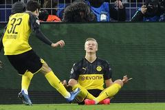 Haaland lập cú đúp, Dortmund gieo sầu cho PSG