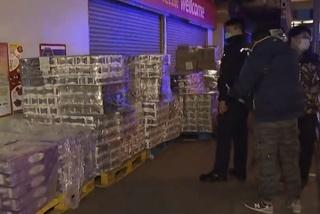 Băng đảng xã hội đen cướp 600 cuộn giấy vệ sinh
