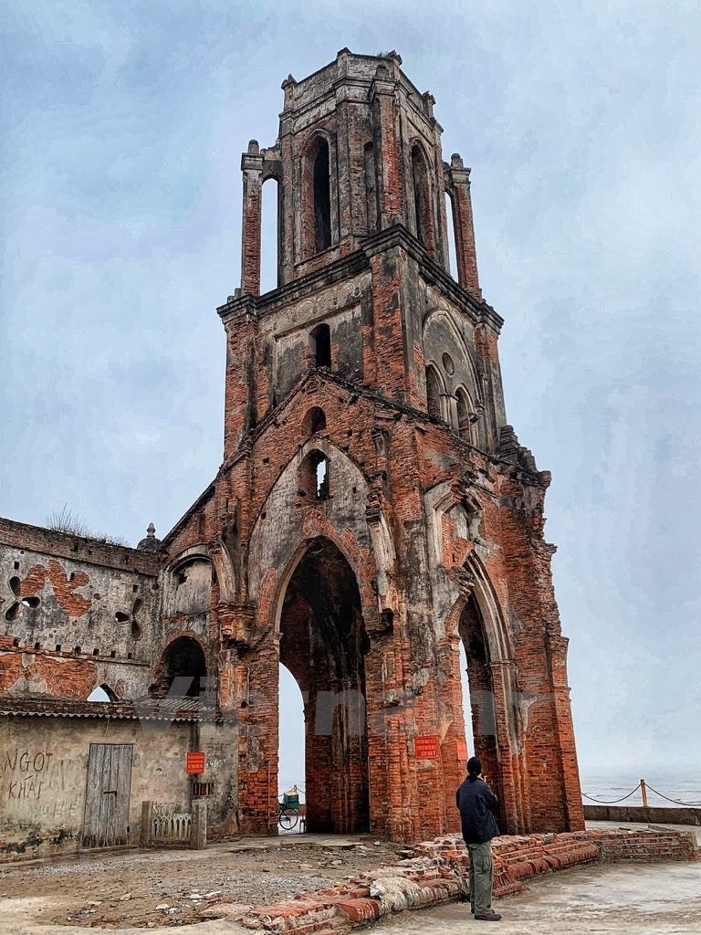 ruined church,nam dinh,hai hau,travel news