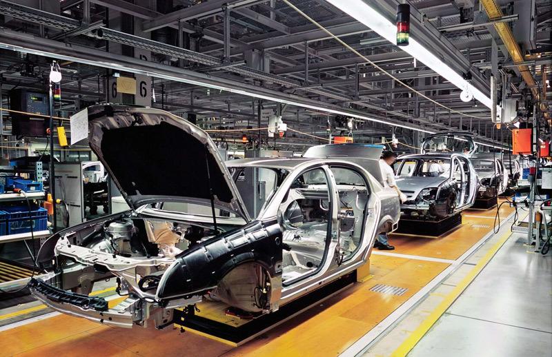 Nguy cơ đóng cửa nhà máy, ôtô xin giảm 50% thuế phí cho khách mua xe