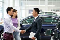 Mở cho ôtô ngoại tràn về, hỗ trợ xe nội bàn 2 năm chưa thông