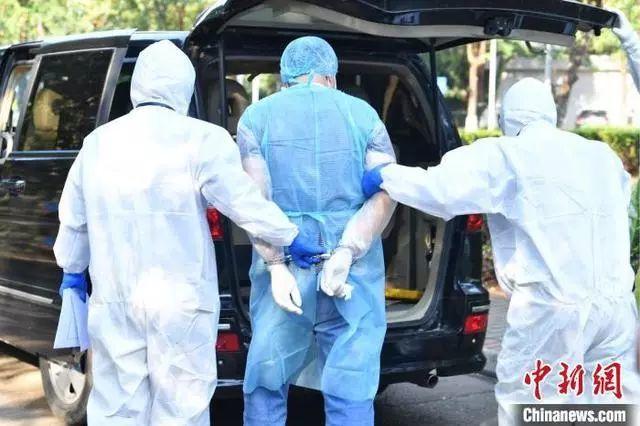 68 nhân viên y tế phải cách ly vì một người đàn ông giấu bệnh Covid-19