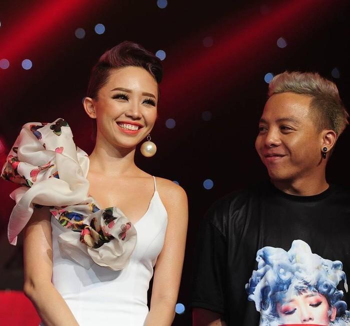 Bố Tóc Tiên phủ nhận con gái sắp kết hôn