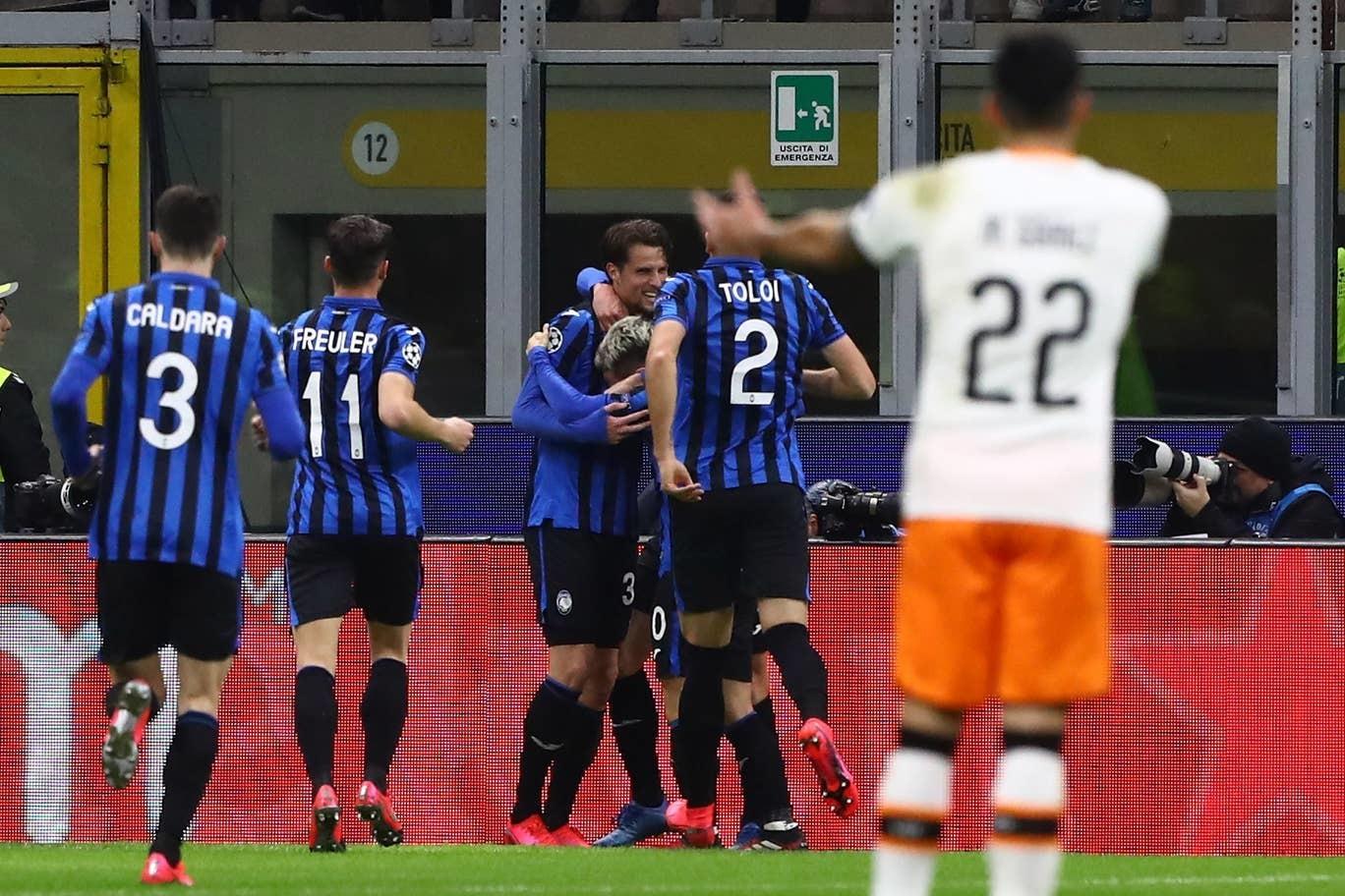Đè bẹp Valencia, Atalanta đặt một chân vào tứ kết