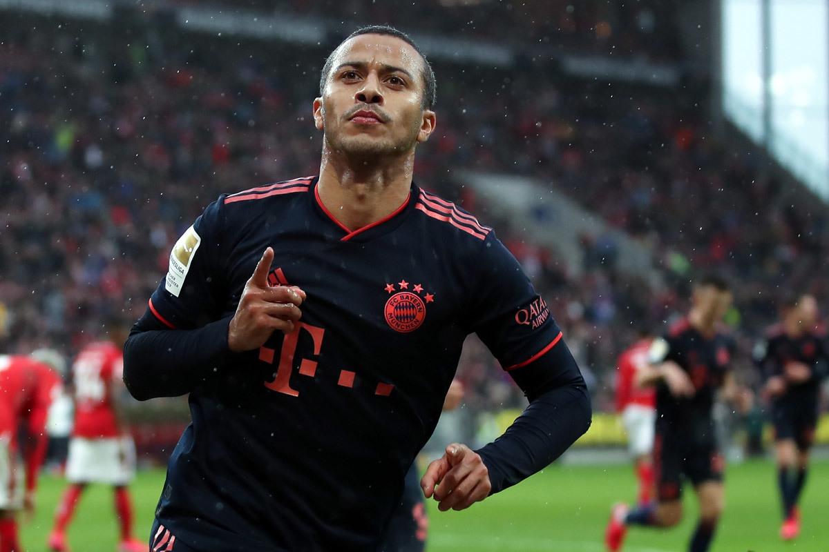MU hỏi mua Neymar, Juventus ký Thiago