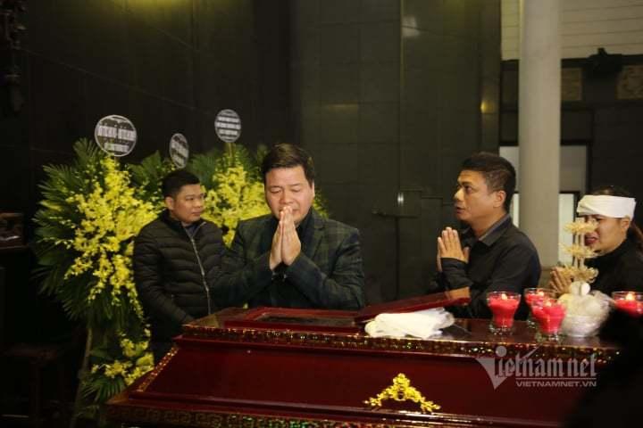 Đám tang đẫm nước mắt tiễn đưa NSƯT Vũ Mạnh Dũng