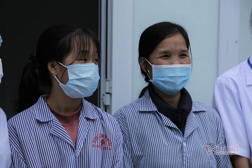 Hai bệnh nhân Covid -19 ngày xuất viện