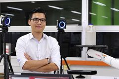 Vietnamese scientist in South Korea sets up start-up to create robots