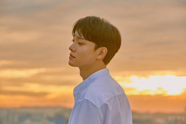 SM tuyên bố Chen (EXO) sẽ không rời nhóm sau khi đột ngột kết hôn