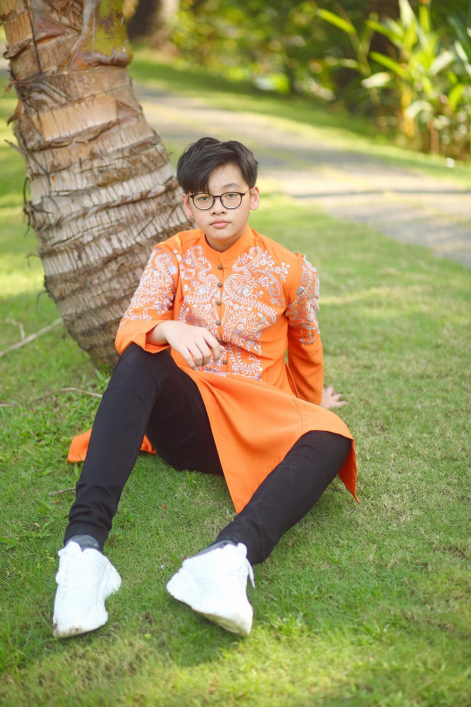 14 tuổi cao 1m78, con trai siêu mẫu Anh Thư đẹp như hotboy