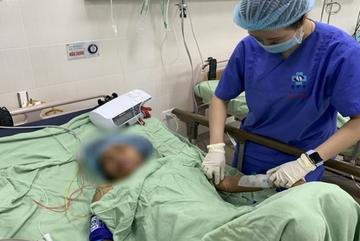 Sinh con tại nhà, một sản phụ ở Quảng Ngãi suýt chết
