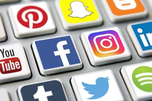 Xử lý nghiêm việc đăng tin giả lên facebook
