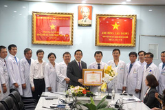 Vietnamese medical staff win fight with COVID-19