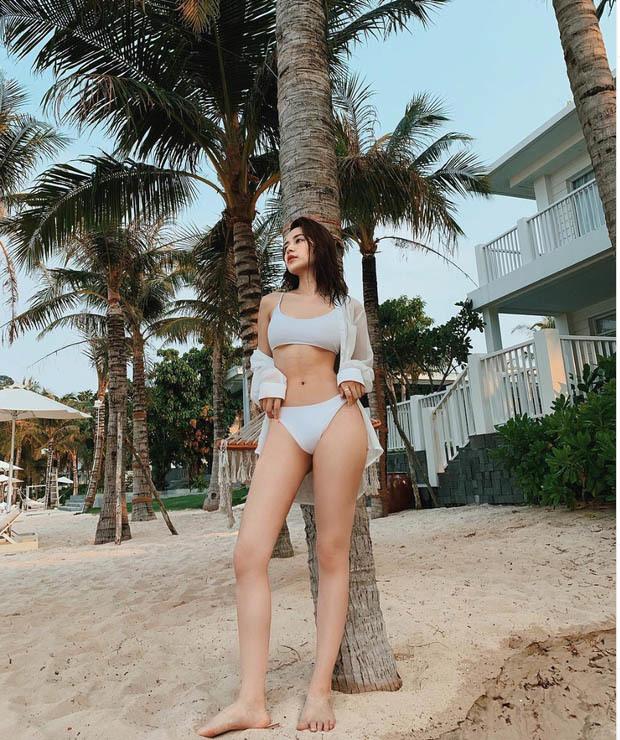 Chi Pu, Angela Phương Trinh vòng eo 'đắt giá' nhất showbiz